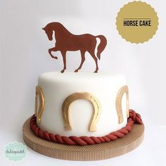 Torta de caballo Cowboy Birthday Cakes, Cowboy Cakes, Horse Birthday Parties, Cake Disney, Western Cakes, Dessert Oreo, First Communion Cakes, Paris Cakes, Horse Cake