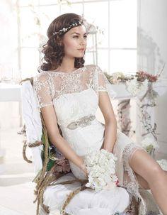 Dein Brautkleid fürs Standesamt soll etwas Besonderes sein? Dann haben wir da etwas Hübsches für dich: Villais. Gibt es bei crusz Berlin: http://crusz.de/brautkleider Foto: Villais