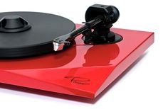 The Paris Turntable from Oracle Audio, creating audio bliss! Fi Car Audio, Audiophile Turntable, All The Small Things, Record Players, Sonos, Audio Equipment, Technology Gadgets, Cool Items, Industrial Design