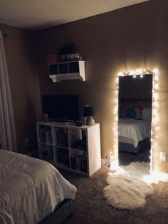 61 Cute Girls Bedroom Ideas for Small Rooms & GentileForda.ComThe post 61 cute girls bedroom ideas for small rooms 51 appeared first on Dekoration. Small Room Bedroom, Room Decor Bedroom, Bedroom Inspo, Night Bedroom, Modern Bedroom, Decor For Small Bedroom, Contemporary Bedroom, Mirror Bedroom, Master Bedroom