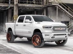 TrucksResource is home to the best content on everything Trucks, Jeep and SUVs. Dodge Ram 1500 Hemi, Dodge Ram Crew Cab, Ram Trucks, Lifted Trucks, Cool Trucks, Ram 1500 Custom, Lifted Cummins, Pickup Truck Accessories, 2019 Ram 1500