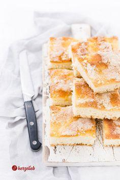 Grandma's sugar cake recipe – sheet cake with a lot of love Recipe Sheets, Sheet Cake Recipes, Danishes, Sugar Cake, Food Cakes, World Recipes, International Recipes, Cornbread, Good Food