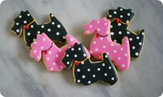 My friend @bridget has done it again!  how adorable are these over at Bake at 350
