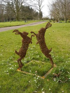 Rupert Till has been making wire garden sculpture for over 20 years. It's natural qualities make it perfect for a garden setting where it can feel at one with nature Outdoor Sculpture, Outdoor Art, Sculpture Art, Garden Sculpture, Dream Garden, Garden Art, Garden Design, Willow Garden, Awesome Woodworking Ideas