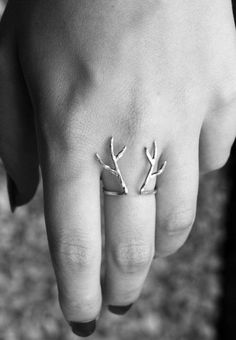 Deer antlers. - Click image to find more Women's Fashion Pinterest pins