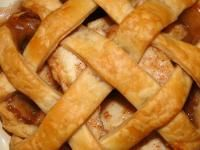 Miss Annie's Apple Pie Recipe! What a great apple pie. Determine how tart you want it by the apples you choose. For tart choose Granny Smith, for sweeter flavor, choose Romes. Weed Recipes, Apple Pie Recipes, Recipies, Granny Smith, Tiramisu Original, Healthy Apple Desserts, Wie Macht Man, Baking Tips, Baking Hacks