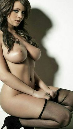flat chested nude women pics