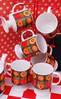♥ these Scandinavian style mugs