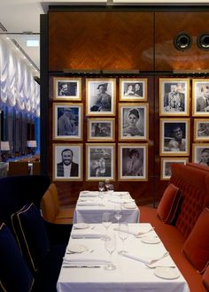 Rosetta. Famous Italian faces line the walls.