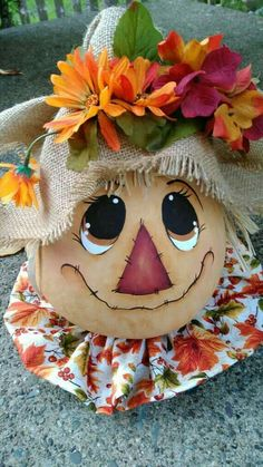 Halloween Gourds, Fall Halloween, Halloween Crafts, Halloween Decorations, Scarecrow Painting, Scarecrow Face, Adornos Halloween, Manualidades Halloween, Fall Scarecrows