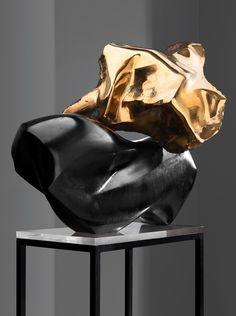 LAILA PULLINEN (1933- ,Finland), A Memory of Marilyn Monroe, 1965. Black Belgian marble and bronze. / Bukowskis