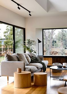 An East Ballarat Home Inspired By Iconic Australian Architecture (The Design Files) Home Living Room, Interior Design Living Room, Living Room Designs, Living Room Decor, Living Spaces, Melbourne House, The Design Files, Living Room Inspiration, House Design