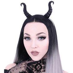 Restyle. Een prachtige haarband accessoire met hoorns zoals Disney's Maleficent. Een perfecte toevoeging om je fantasy kostuum compleet te maken! De hoorns zijn gemaakt van zeer duurzaam materiaal en zit heel stevig bevestigd op de haarband. Ze zijn heel gedetailleerd met een ruwe textuur, net echt!  De haarband wordt geleverd is een mooi doosje.