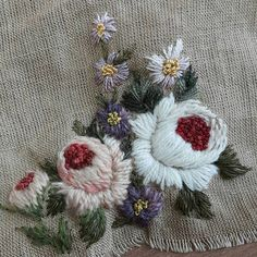 모닝꽃 #화분의데이지시리즈 #프랑스자수 #그림 #작약 #바늘그림#꽃피우는화분 #데이지 #천그림 #art #엔틱 #stitch #needlework #flower #린넨사 #자연 #빛 # 취미생활 #embroideryart #watercolorpainting #watercolor Embroidery 3d, Ribbon Embroidery Tutorial, Hand Embroidery Stitches, Silk Ribbon Embroidery, Embroidery Designs, Fabric Bracelets, Crochet Squares, Vintage, Instagram