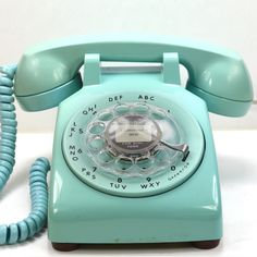 Turquoise 500 Desk Phone by American Telephone Store -i love these old phones...maybe place in the craft room one day.