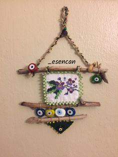 Driftwood, driftwood nazarlık, nazarlık, nazar, turkish eye, design, hand made, ig: _esencan Twig Crafts, Bead Crafts, Diy And Crafts, Crafts For Kids, Arts And Crafts, Fabric Art, Fabric Crafts, Sewing Online, Estilo Hippie