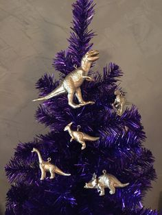 Set of dinosaur Christmas or holiday tree ornaments by SixFiftyEightStudio on Etsy https://www.etsy.com/listing/252073122/set-of-dinosaur-christmas-or-holiday