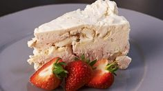 A delicious cake from Rachel Allen. Strawberry Meringue, Meringue Pavlova, Meringue Cake, Frozen Cake, Frozen Desserts, Just Desserts, Flan, Food Network Recipes, Food Processor Recipes