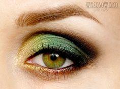 Green beatle by Wrzosowisko on Makeup Geek