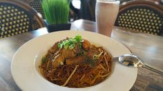 Curry Chicken Noodles, Perfect for Lunch - Oka Malaysian & Chinese Cuisine  www.okamalaysianchinese.com.au