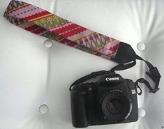 What a great idea for all E's old ties and my extra camera strap. Tie One On! Upcycled and Repurposed Neckties -jbw Old Neck Ties, Old Ties, Sewing Hacks, Sewing Crafts, Sewing Projects, Diy Projects, Recycling, Fabric, Amazing Things