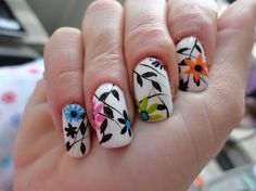 Black & White Floral Nail art