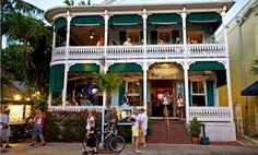 Top 10 bars in Key West Key West& bars offer the chance to drink and snack at a seafood shack, sip cocktails or down shots in a historic dive Florida Vacation, Florida Travel, Miami Florida, Miami Beach, Vacation Spots, Vacation Ideas, Florida Trips, Florida 2017, Visit Florida
