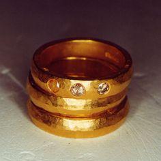 Anneaux Yves Gratas en or 18 carats et diamants colorés