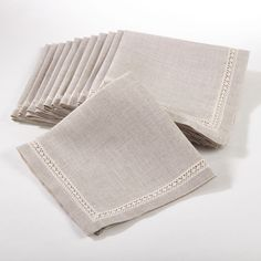 Dress your table in comtemporary style with Saro Lifestyle's dinner napkins with lace insert. These napkins are perfect for everyday entertaining. Shape: Square Material: Polyester, Linen Style: Conte