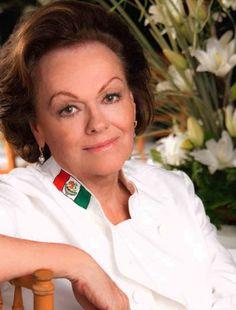 Susana Palazuelos reconocida Chef mexicana, empresaria, embajadora culinaria de Guerrero y miembro del Circulo Mexicano De Arte Culinario habla con Lorena Mora-Mowry para Mujer Latina Today. Entrevista realizada el 2010 .