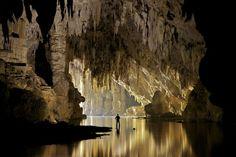 Fotógrafo registra interior de cavernas da Tailândia