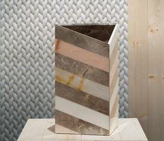 Budri – Tailors of marble work. Budri is een merk dat werk met alle soorten marner. Ze creëren producten met authentiek vakmanschap en de nieuwste technieken. Deze combinatie vind ik interessant vooral omdat marmer vaak niet word gebruik als abstrakte kunst objecten.