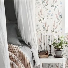 Romantic spring decor in a Scandinavian bedroom. The floral wallpaper is from Swedish company Sandberg Wallpaper's collection Villa Dalarö. Interior Wallpaper, Kids Room Wallpaper, Wallpaper Online, Wallpaper Ideas, Scandinavian Design Centre, Scandinavian Style, Interior And Exterior, Interior Design, Inspirational Wallpapers