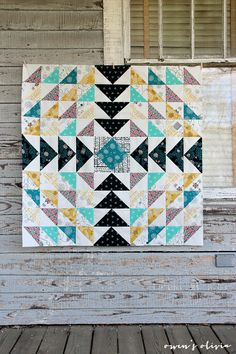owens olivia Etno Quilt Top Pat Bravo of Art Gallery Fabrics Art Gallery Fabrics, Quilt Baby, Scrappy Quilts, Mini Quilts, Quilting Projects, Quilting Designs, Art Tumblr, Flying Geese Quilt, Half Square Triangle Quilts