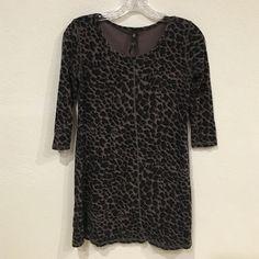 Jessica Simpson tunic Excellent condition. No trades. 1011 Jessica Simpson Tops Tunics