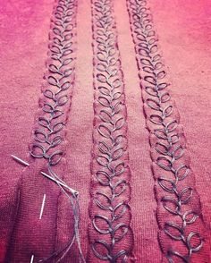 stitching stripes with the rosebud stitch. Alabama Chanin