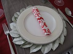 DIY Pottery Barn plate charger knock off Pottery Barn Style, Pottery Barn Inspired, Charger Plates, Plate Chargers, After Christmas Sales, Christmas Town, Christmas Traditions, Diy Christmas, Holiday Crafts