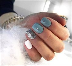 There are three kinds of fake nails which all come from the family of plastics. Acrylic nails are a liquid and powder mix. They are mixed in front of you and then they are brushed onto your nails and shaped. These nails are air dried. Hair And Nails, My Nails, Shellac Nails Fall, Gelish Nails, Acrylic Nails Glitter, Winter Acrylic Nails, Chunky Glitter Nails, Shellac Nail Colors, Glitter Toms