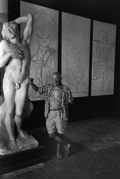 Pablo Picasso fotografiado por Robert Capa