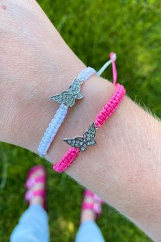 Comes as a set of five bracelets (white, pink, orange, blue, and purple) for only $5! Bracelet Making, Jewelry Making, Puppy Cuddles, Butterfly Frame, Sliding Knot, Layered Bracelets, Paracord Bracelets, Summer Trends, Friendship Bracelets