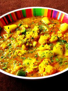 Aloo Gobi (Indian Potato & Cauliflower Curry Stew) YUM!!!