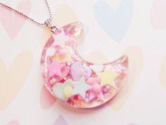 Clear kawaii moon necklace with shapes inside of it. Kawaii Jewelry, Kawaii Accessories, Cute Jewelry, Diy Jewelry, Jewelery, Jewelry Making, Pastel Fashion, Kawaii Fashion, Boy Fashion