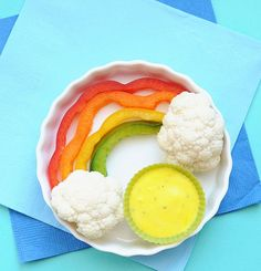 Davis Vision - Surprise your kids with this cute and healthy rainbow snack. It's easy to make and great for the eyes! #recipe