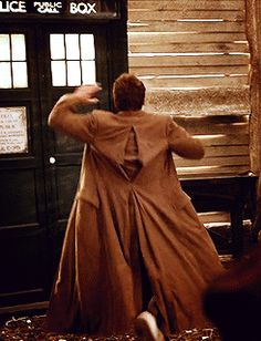 TEN MOST DEFINITELY HIGH FIVED THE TARDIS. LIKE GOOD JOB, WE DID IT! (click for gif)