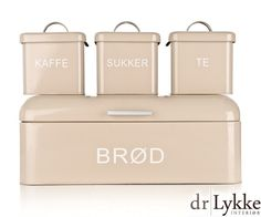 Kjøkkensett i 4 deler-flotte bokser til brød, sukker, kaffe og te i BEIGE emalje fra Dr.Lykke