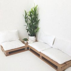 Miniature Pallet Couch Dollhouse Pallet Couch by MiniHomeCoAU on Etsy Pallet Couch Cushions, Diy Pallet Couch, Diy Couch, Seat Cushions, Pallet Couch Outdoor, Pallet Daybed, Pallet Headboards, Pallet Seating, Pallet Benches