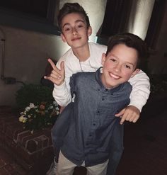 Who wants to hang with us? @jacobsartorius