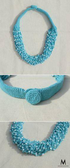 Colar de #crochet Matilda. Cor: azul claro com miçangas brancas. #handmadeforyou Compras ou encomendas e-mail: oimarimazzaro@gmail.com WhatsApp: (18) 99771-0203