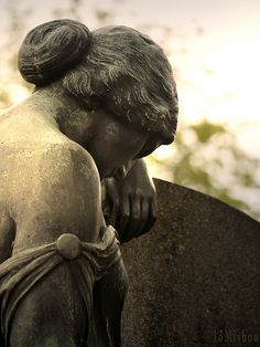 Contemplative - Johannis Cemetery at Nuremberg Cemetery Angels, Cemetery Statues, Cemetery Headstones, Old Cemeteries, Cemetery Art, Angel Statues, Graveyards, Turn To Stone, Effigy