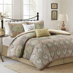 The Harbor House Sanya bedding collection provides a modern update to a traditional floral pattern.  The comforter features an all over patchwork print with floral details and a distressed look. Made from cotton sateen, the comforter is soft to the touch and machine washable for easy care. The set includes 1 comforter, 2 shams, 1 bedskirt, and 2 decorative pillows.